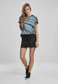 Urban Classics - Print T-shirt - black - 1