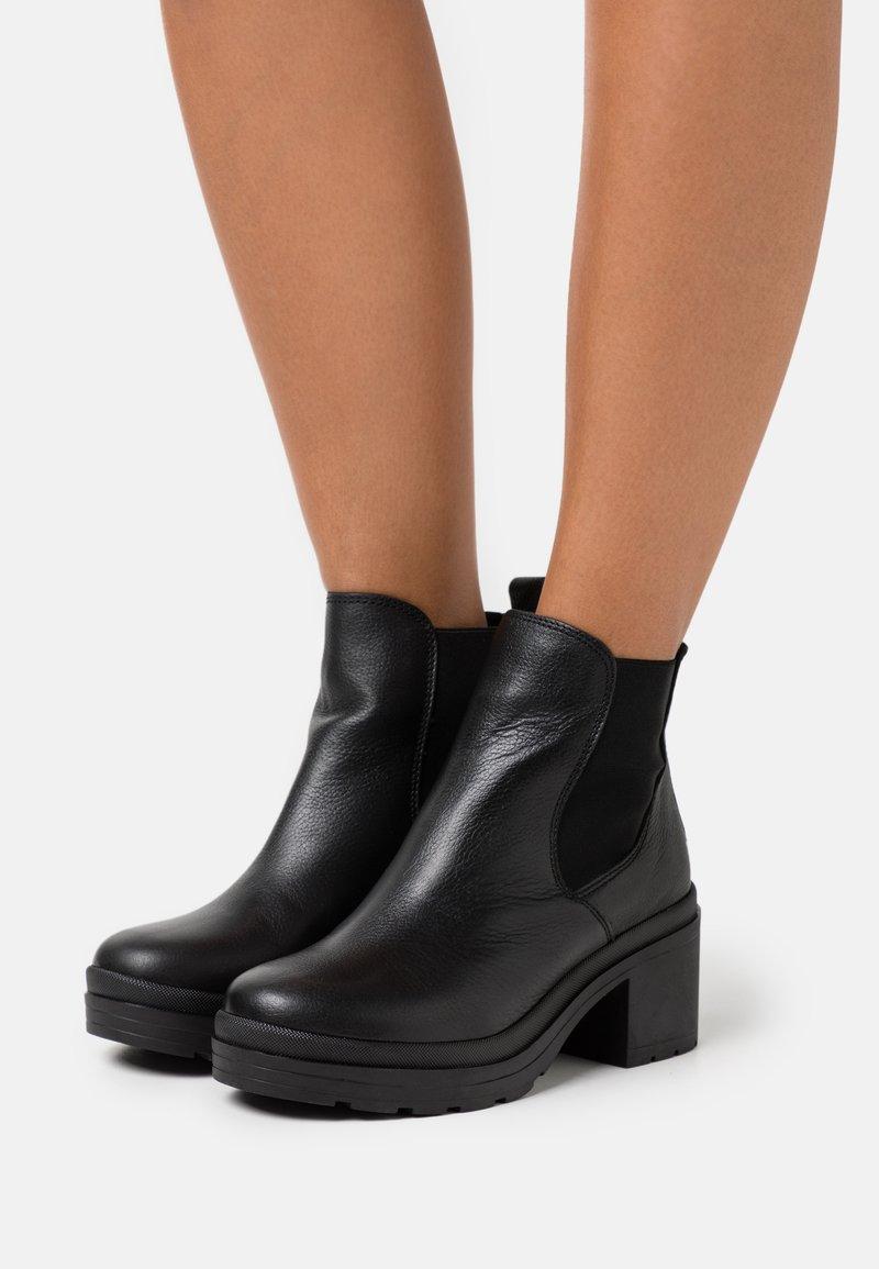 Musse & Cloud - KAMBEL - Platform ankle boots - black
