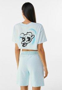 Bershka - POWERPUFF GIRLS - Shorts - light blue - 2