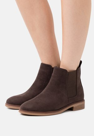 WIDE FIT SOLE CHELSEA - Ankle boots - brown