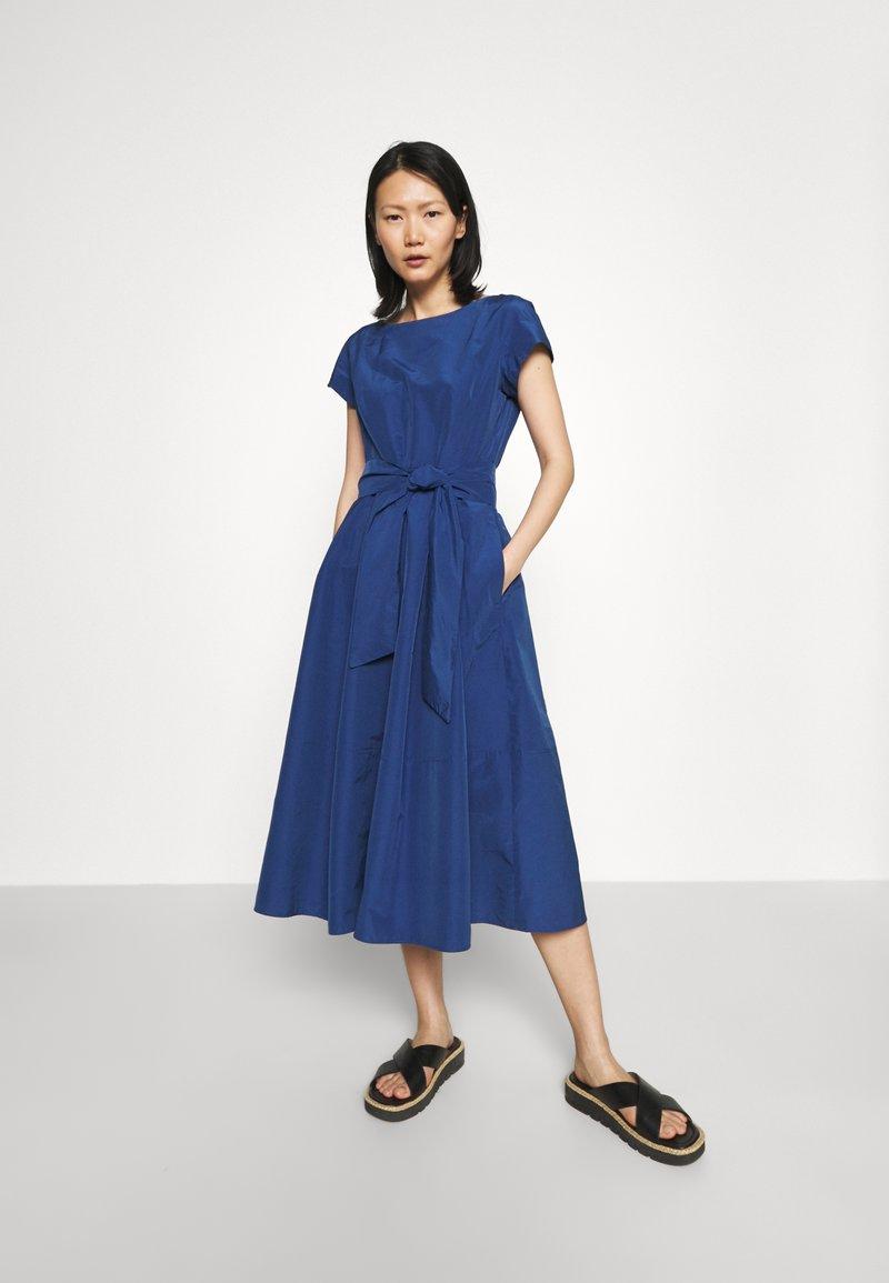 WEEKEND MaxMara - FARNETO - Vapaa-ajan mekko - bluette