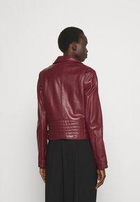 Steffen Schraut - RANCHERA LUXURY BIKER JACKET - Leather jacket - cranberry - 2