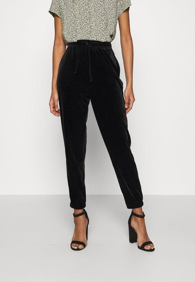 PCGIGI PANTS - Spodnie treningowe - black