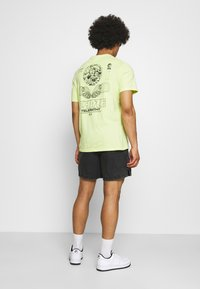 Nike Sportswear - Shorts - black - 2