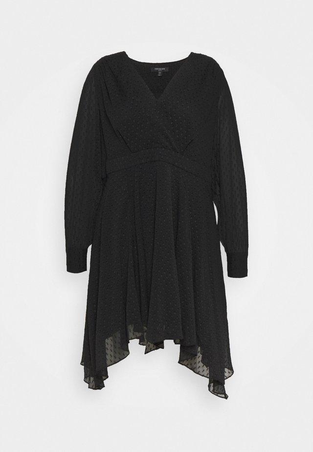 FREDRIKA CURVE PLEATED SKATER DRESS - Denní šaty - black