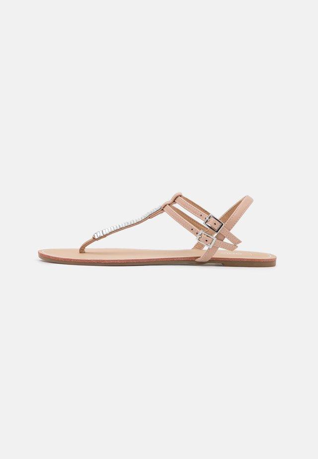 ONLMARGIT  - Sandály s odděleným palcem - light pink