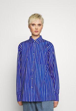 JOKAPOIKA SHIRT - Košile - blue/sand