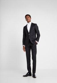 KARL LAGERFELD - SUIT VIBRANT - Dress - black - 1