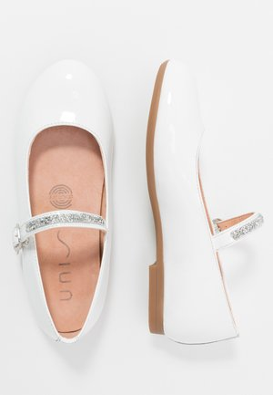 CLERVY - Ankle strap ballet pumps - white