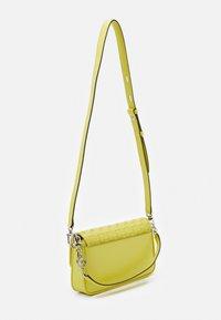 MICHAEL Michael Kors - Handbag - limelight - 2