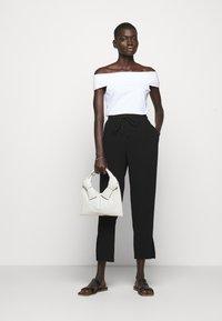 Theory - SABRYNNA DIVISION  - Print T-shirt - white - 1