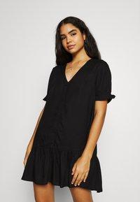 Monki - WILLA DRESS - Denní šaty - black dark - 0
