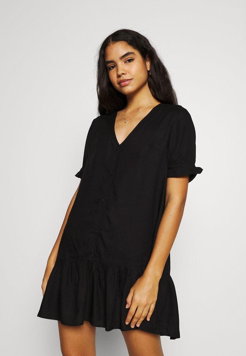 Monki - WILLA DRESS - Denní šaty - black dark