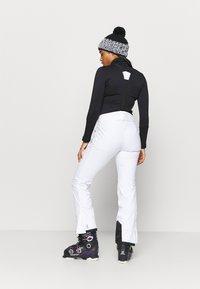 Dare 2B - EFFUSED II PANT - Ski- & snowboardbukser - white - 2