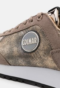 Colmar Originals - TRAVIS PUNK - Trainers - beige/light gold - 4