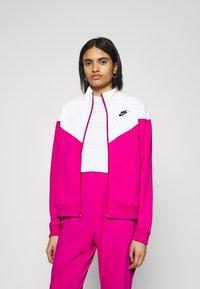 Nike Sportswear - TRACK SUIT SET - Sweatjakke - pink glaze/white/black - 3