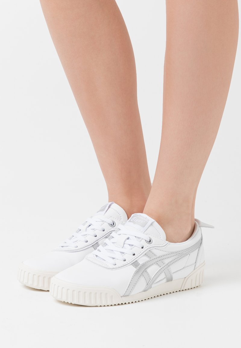 Onitsuka Tiger - DELEGATION  - Sneakers basse - white/blush
