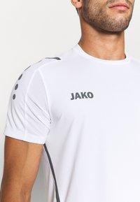 JAKO - TRIKOT CHALLENGE - T-shirt med print - weiß/anthra light - 5