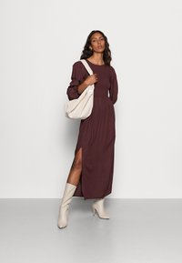LASCANA - SMOK - Maxi dress - aubergine - 1