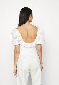 Fashion Union - HOLMES - Triko spotiskem - white - 2
