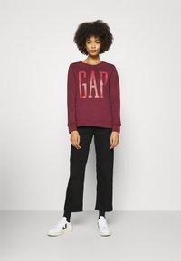 GAP - Sweatshirt - red delicious - 1