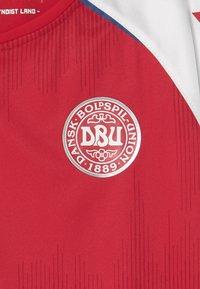 Hummel - DÄNEMARK DBU 20/21 HOME UNISEX - Club wear - tango red - 2
