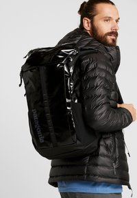 Patagonia - BLACK HOLE PACK 25L - Reppu - black - 1