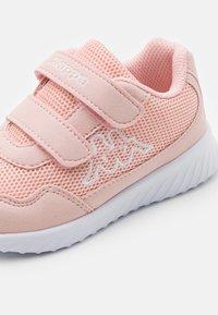 Kappa - UNISEX - Sportovní boty - dark rosé/white - 5