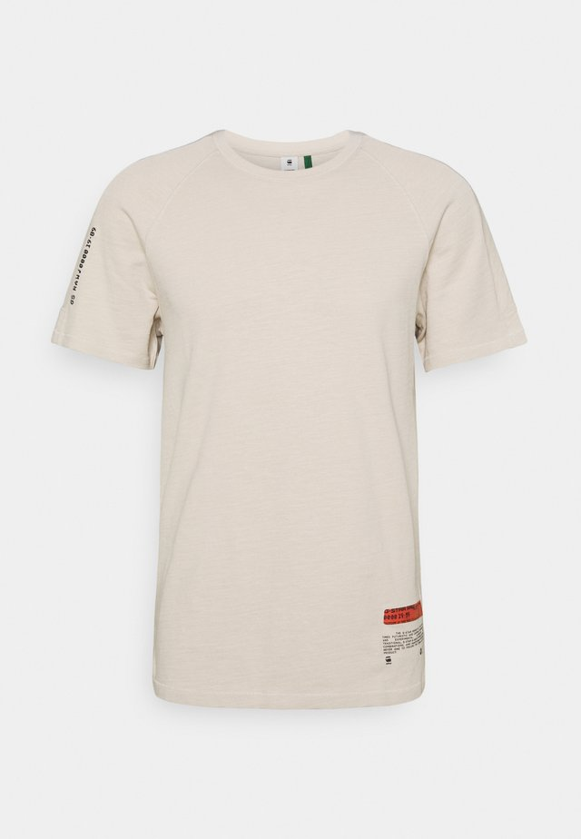 PAZKOR MULTI GRAPHIC - Print T-shirt - whitebait