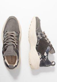 AllSaints - TAMAYA - Matalavartiset tennarit - charcoal grey - 3
