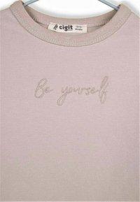 Cigit - BE YOURSELF - T-shirt à manches longues - light pink - 2