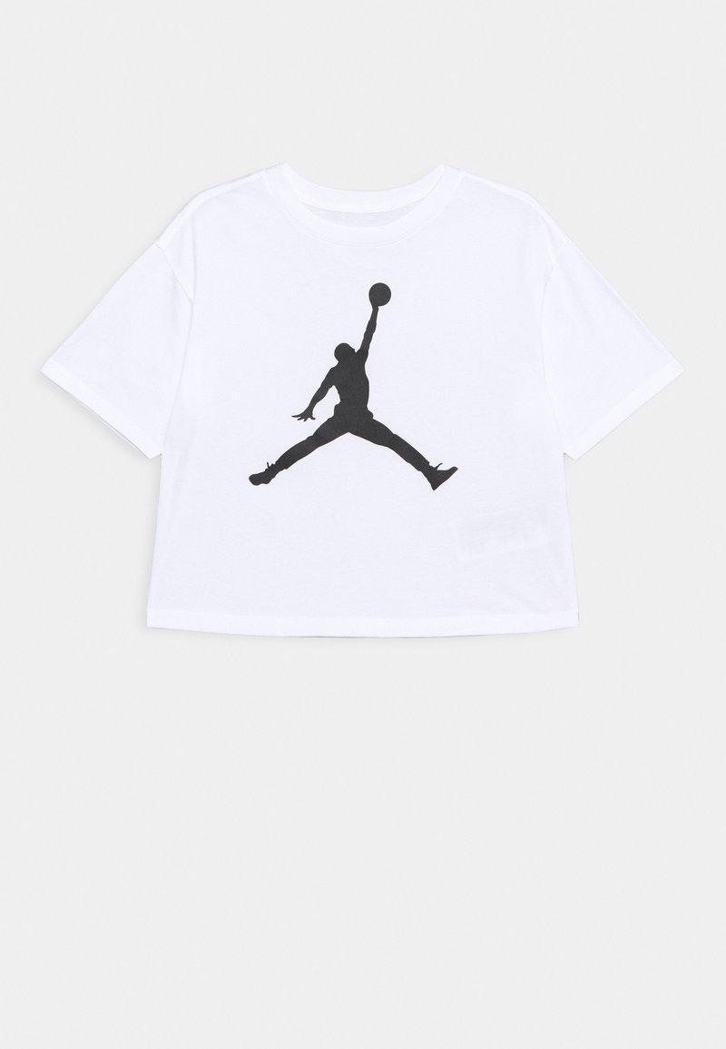 Jordan - SHORT SLEEVE GRAPHIC  - T-shirt z nadrukiem - white