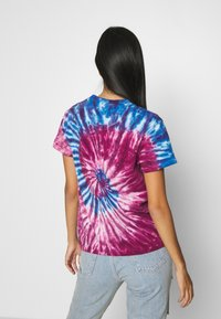 Karl Kani - SIGNATURE TIE DYE TEE - Print T-shirt - pink - 2