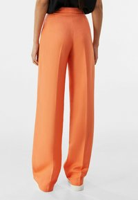 Bershka - Pantalon classique - orange - 2