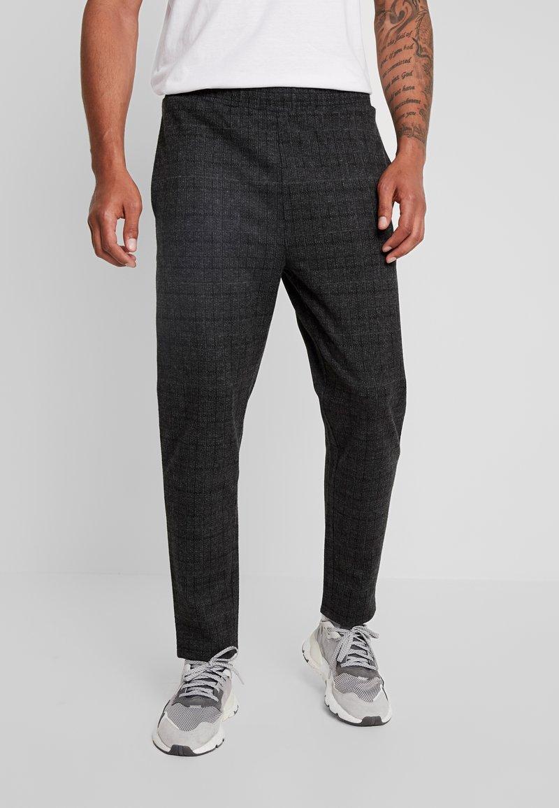 Native Youth - DELON PANT - Trousers - black