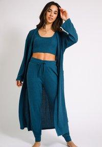 Chelsea Peers - Dressing gown - blue - 1