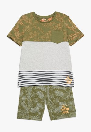 NMMJAZZOKI SHORTS SET - Shorts - loden green