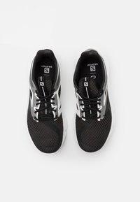 Salomon - PREDICT MOD  - Scarpe running neutre - black/white - 3