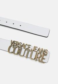 Versace Jeans Couture - LETTERING BUCKLE - Cintura - bianco ottico - 3