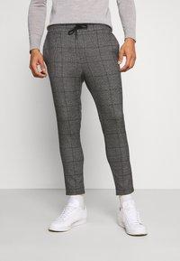 Only & Sons - ONSLINUS CROP CHECK PANTS - Trousers - grey melange - 0