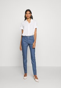 Mos Mosh - BLAKE NIGHT LONG PANT - Spodnie materiałowe - indigo blue - 1
