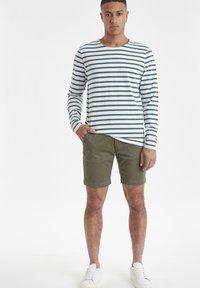 Casual Friday - CFSVEND NORMANDIE  - Sweatshirt - bistro green - 1