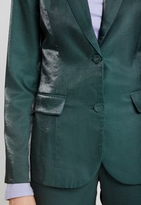 Fashion Union - HONNIE - Blazer - green - 5