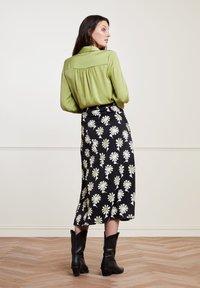 Fabienne Chapot - CLAIRE - A-line skirt - black  pistache - 2