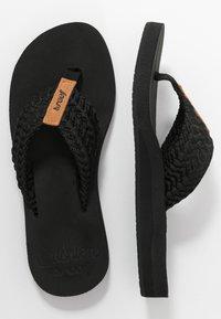 Reef - CUSHION THREADS - Sandály s odděleným palcem - black - 3