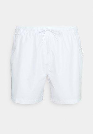 CORE PLACED LOGO MEDIUM DRAWSTRING - Shorts da mare - white