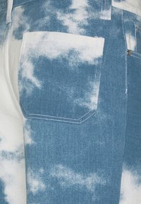 Jaded London - CLOUD SKATE - Relaxed fit jeans - blue - 2