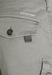 G-Star - ROXIC - Cargo trousers - grey - 3