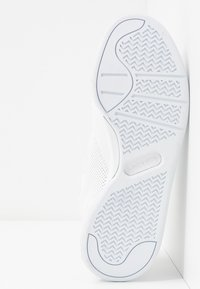 Lacoste - COURT SLAM - Baskets basses - white - 6