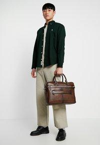 Bugatti - BRIEFBAG LARGE - Briefcase - brown - 1